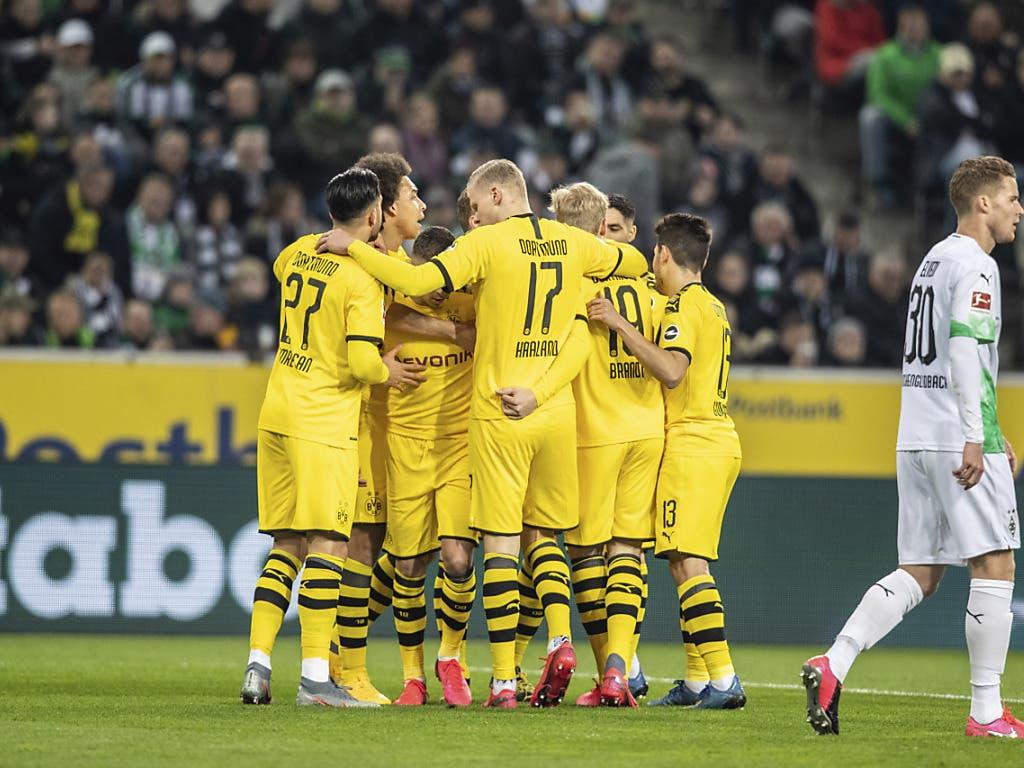 Dortmunder Jubel in Gladbach: Lucien Favres Borussia rückte auf Platz 2 vor