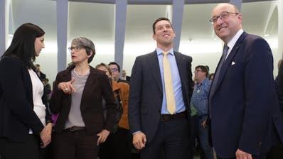 Sie haben das absolute Mehr verpasst: (v.l.) Rahel Würmli (Grüne),Michael Götte (SVP), Beat Tinner (FDP) und Laura Bucher (SP). (Ralph Ribi)