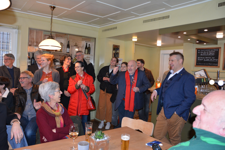 Die Genossen freuten sich, dass Dimitri Moretti im ersten Wahlgang die Wiederwahl in die Regierung gelang. (Altdorf, 8. März 2020)
