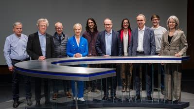 Stadtratswahlen in Luzern, sie treten an (von links): Rudolf Schweizer (Parteilose Schweizer), Adrian Borgula (Grüne), Silvio Bonzanigo (SVP), Manuela Jost (GLP), Skandar Khan (Juso), Martin Merki (FDP), Judith Dörflinger (SP), Beat Züsli (SP), Jona Studhalter (Junge Grüne) und Franziska Bitzi Staub (CVP). (Bild: Philipp Schmidli (Luzern, 3. März 2020)
