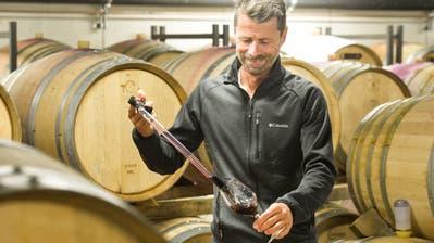 Der IselisbergerBiowinzer Roland Lenz produziert Cuvées aus welschen Weinen