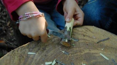 Am Holzweg soll eine Werkstatt entstehen, in der die Nutzer etwas aus Holz herstellen können. (Bild: Walter Schwager)