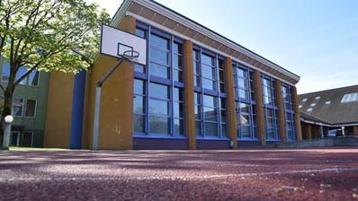 Nach dem Ja zum Budget der Gemeinde Sennwald läuft die Planung des Ersatzbaus für die Einfachturnhalle Türggenau in Salez (Bild) wie vom Gemeinderat vorgesehen weiter. (. Bild: Heini Schwendener)