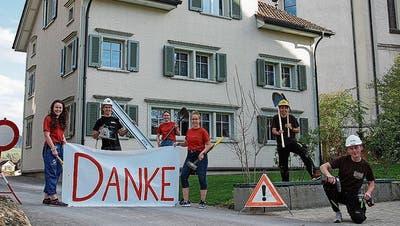 Die Leiterinnen und Leiter von Blauring- und Jungwacht freuen sich über das Ja der katholischen Kirchbürger zur Sanierung des Hauses am Eichelstock 5.