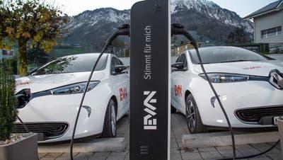 Eine EWN-Elektrotankstelle in Ennetmoos. (Bild: PD)