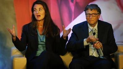 Melinda und Bill Gates bei einem öffentlichen Auftritt in Indien. (ap)