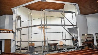 Abgesperrt und im Innern eingerüstet: Sanierung der Wattwiler Kirche ist gestartet