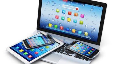 Auf jedem Gerät sieht die verwendete Software anders aus, das stört die Schülerin der Oberstufe Kirchberg. (Symbolbild: Fotolia)