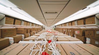 Es war der erste Flug der Swiss, bei dem auch die Passagier-Kabine mit Fracht gefüllt war. (zvg/Swiss)