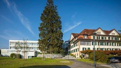 Die Hirslanden Andreas Klinik in Cham. (Bild: PD)
