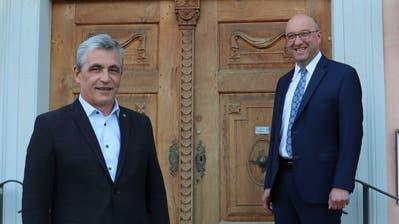 Beat Tinner (rechts) hat auf Grund seiner Wahl in die Regierung seinen vorzeitigen Rücktritt als Gemeindepräsident bekanntgegeben. Vize-Gemeindepräsident Andreas Bernold (links) übernimmt am 1.Juni ad interim das Wartauer Gemeindepräsidium. (Bild: PD)