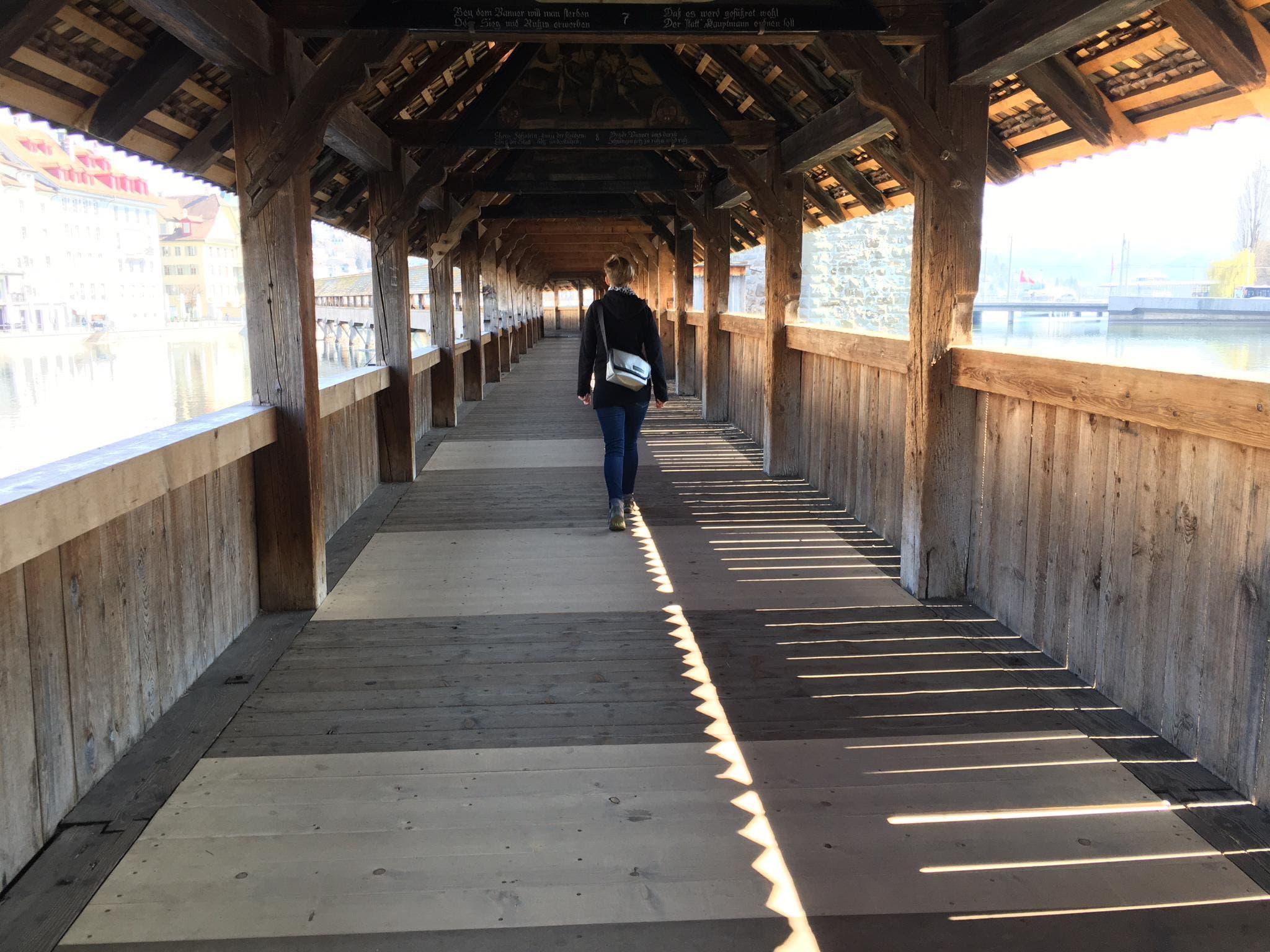 Auf der Kapellbrücke fehlen die Touristen.
