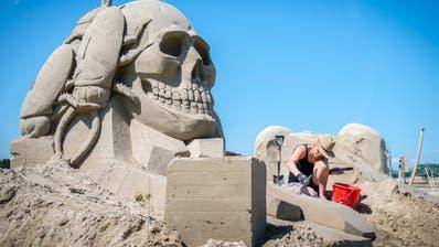 Das Sandskulpturen-Festival in Rorschach ist seit vielen Jahren eine beliebte Veranstaltung am See. (Urs Bucher)
