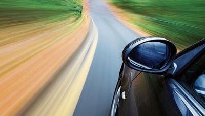 Führerausweis auf Probe, fünf Autos überholt und mit 169 km/h unterwegs: Ausserrhoder Kantonspolizei erwischt 19-jährigen Raser
