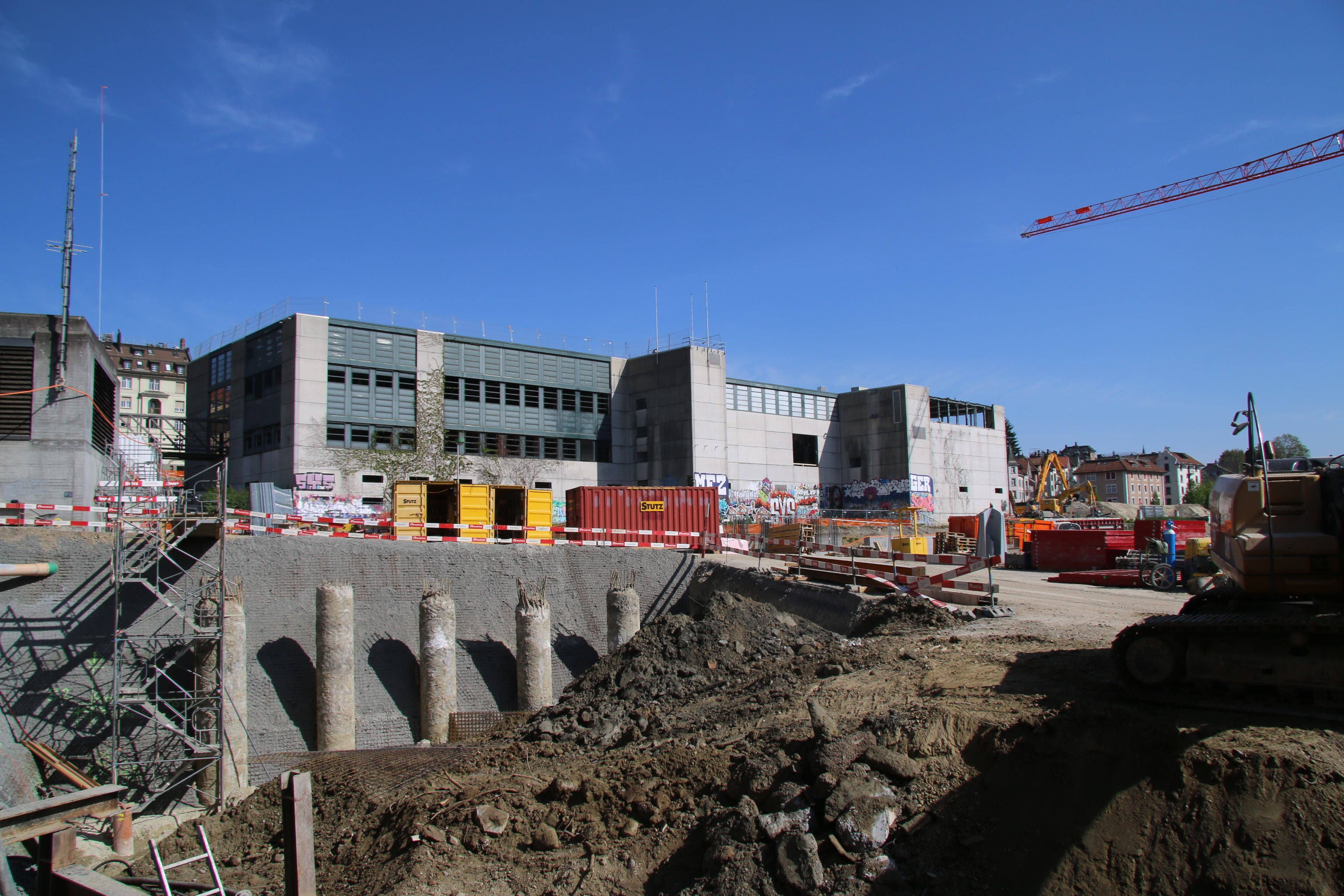 Die alte Olma-Halle 1 wird derzeit für den Abbruch vorbereitet.