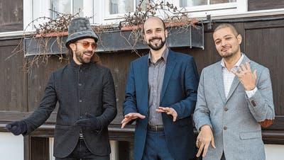 Der Pianist Claude Diallo zwischen seinen amerikanischen Musikerfreunden Andy Bauer (Drums) und Luques Curtis (Bass). (Bild: André Brugger)