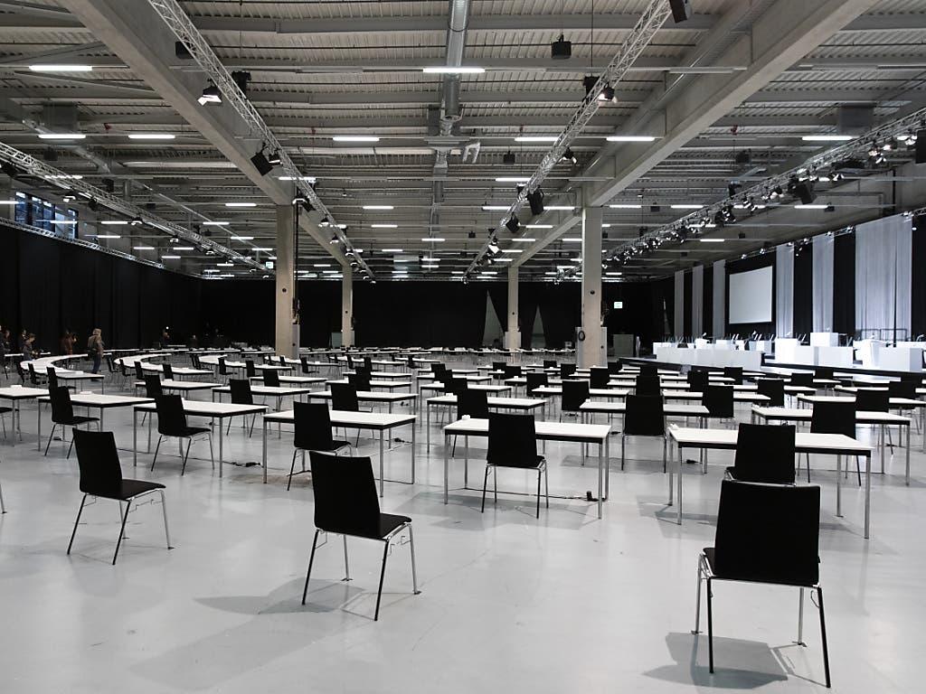 Eine riesige Halle ohne Schnickschnack: So sieht der Nationalratssaal aus.