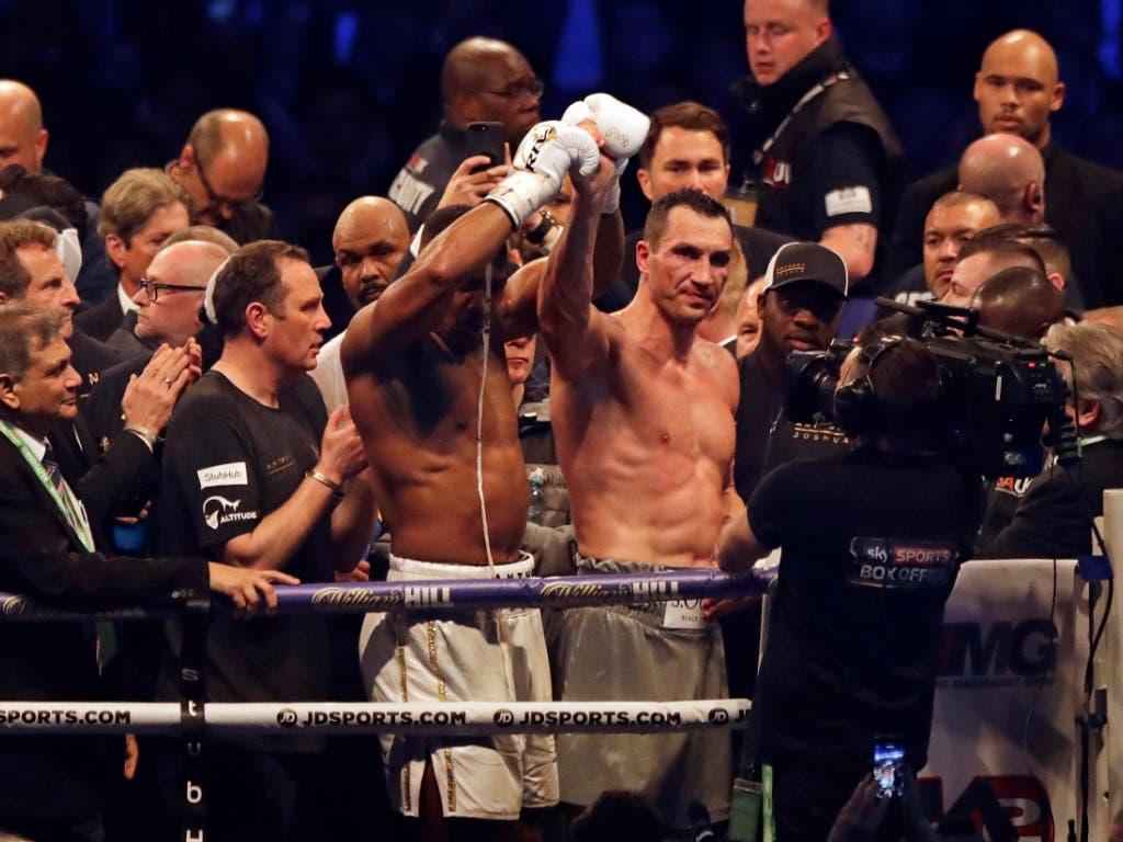 Joshua zollt dem Unterlegenen Respekt, Klitschko gratuliert