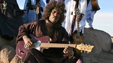 Die weltweit wohl bekannteste Tuareg-Band Tinariwen wäre Headliner am Startabend des diesjährigen B-Sides gewesen. (Bild: PD)