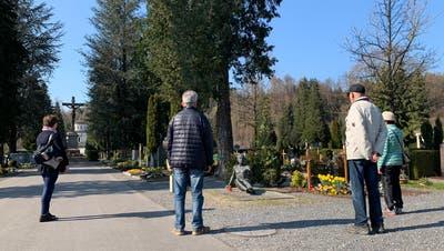 Auch im Luzerner Friedhof Friedental können Beisetzungen derzeit nur im engsten Familienkreis und unter Einhaltung der Abstandsregel stattfinden. (Bild: Herbert Gut/pd)