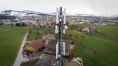 Auf diesem Mast auf dem Lindenberg sitzt die erste 5G-Antenne im Kanton St.Gallen. (Ralph Ribi (12. Februar 2020))