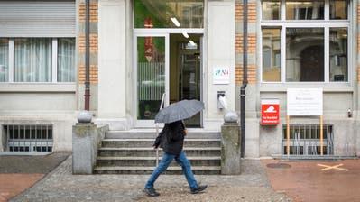 Gegenüber dem Vorjahr ist die Zahl der Stellensuchenden um 1'968 angestiegen, was einer Zunahme um rund 20 Prozent entspricht. (Bild: Benjamin Manser)