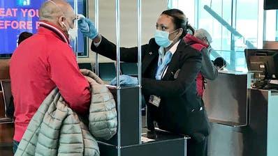 Am Flughafen Zürich wird neuerdings die Körpertemperatur von Alitalia-Passagieren gemessen. (Swissport)