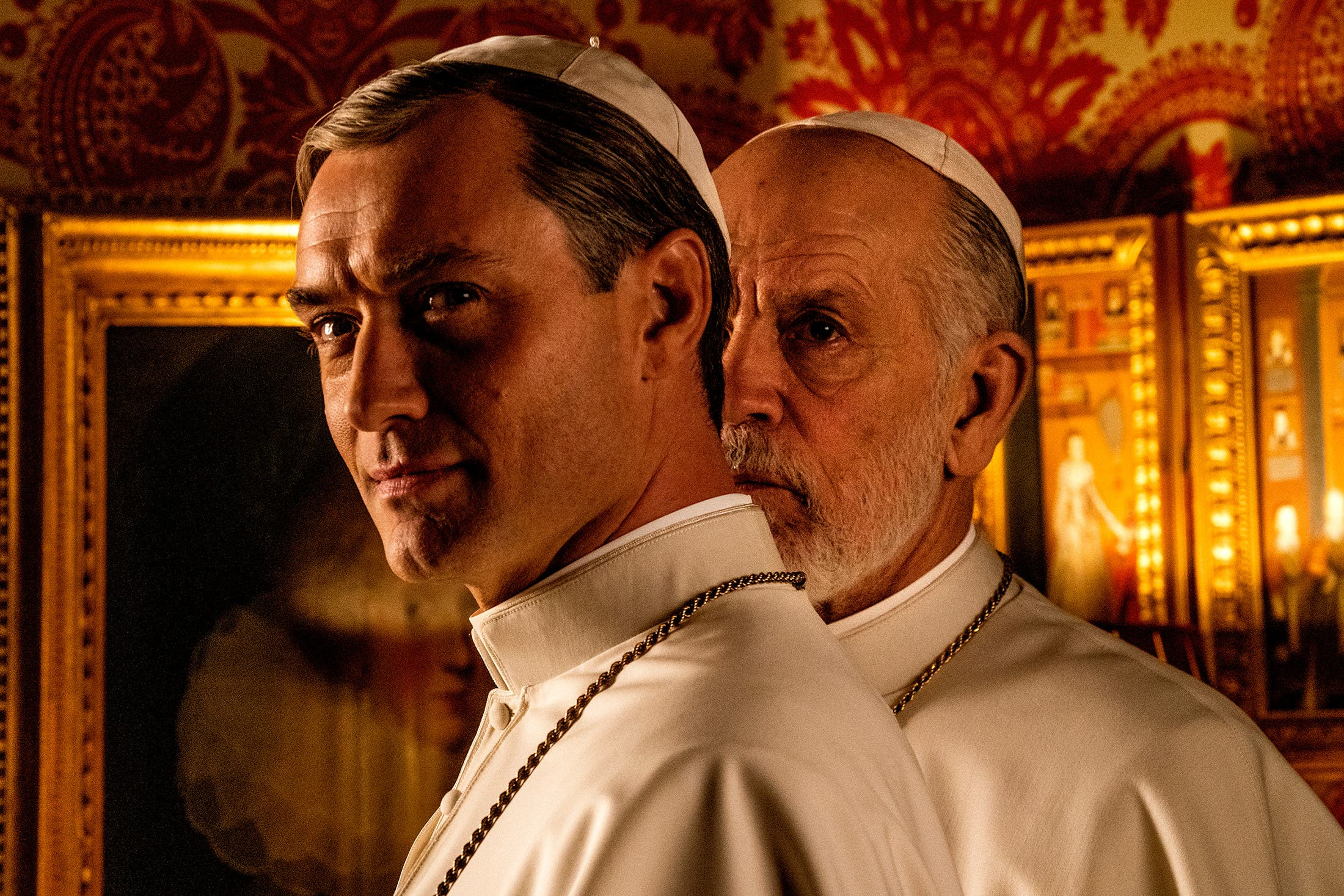NEU: The New Pope (2020) Sündenpfuhl Vatikan: Nach «The Young Pope» führt Paolo Sorrentino die Ränkespiele fort – poppig, crazy, sarkastisch. Keiner inszeniert Rom so wie er für Sky Atlantic, HBO, Canal+.
