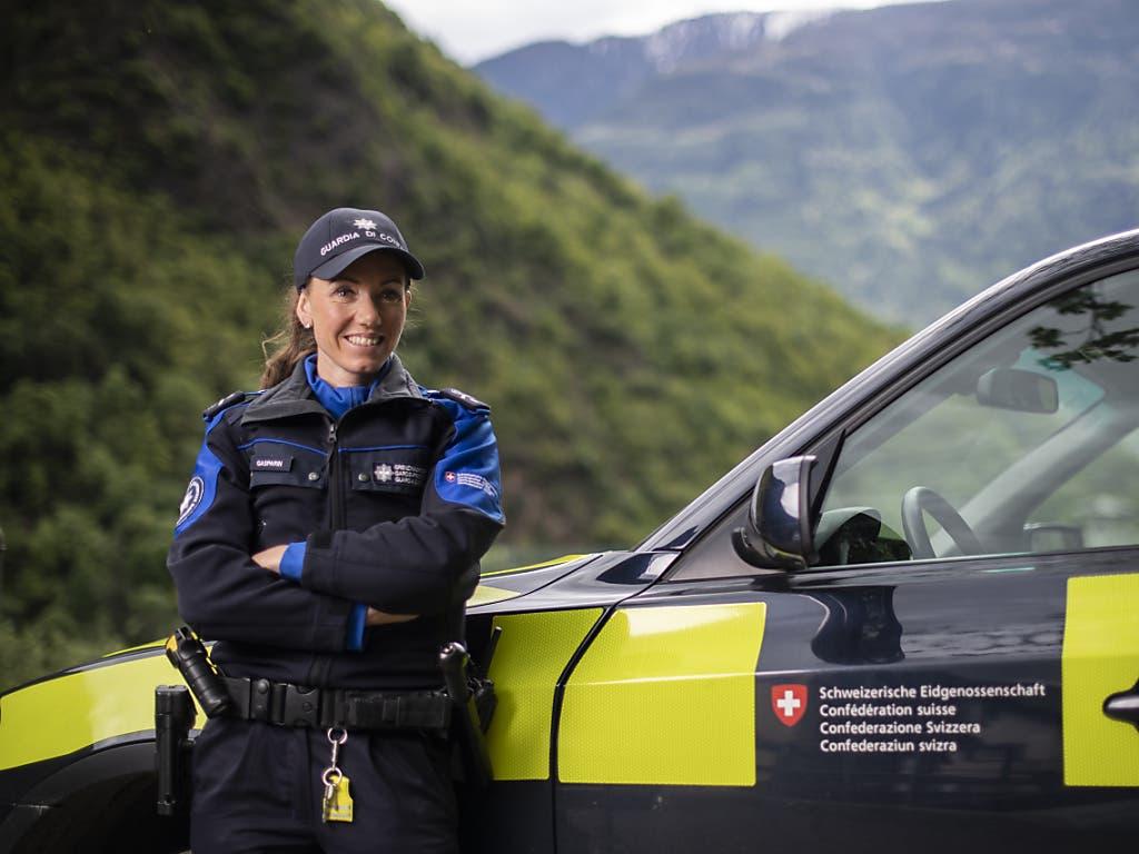 Gasparin ist zu 100 Prozent bei der Eidgenössischen Zollverwaltung angestellt und ist voll ausgebildete Grenzwächterin