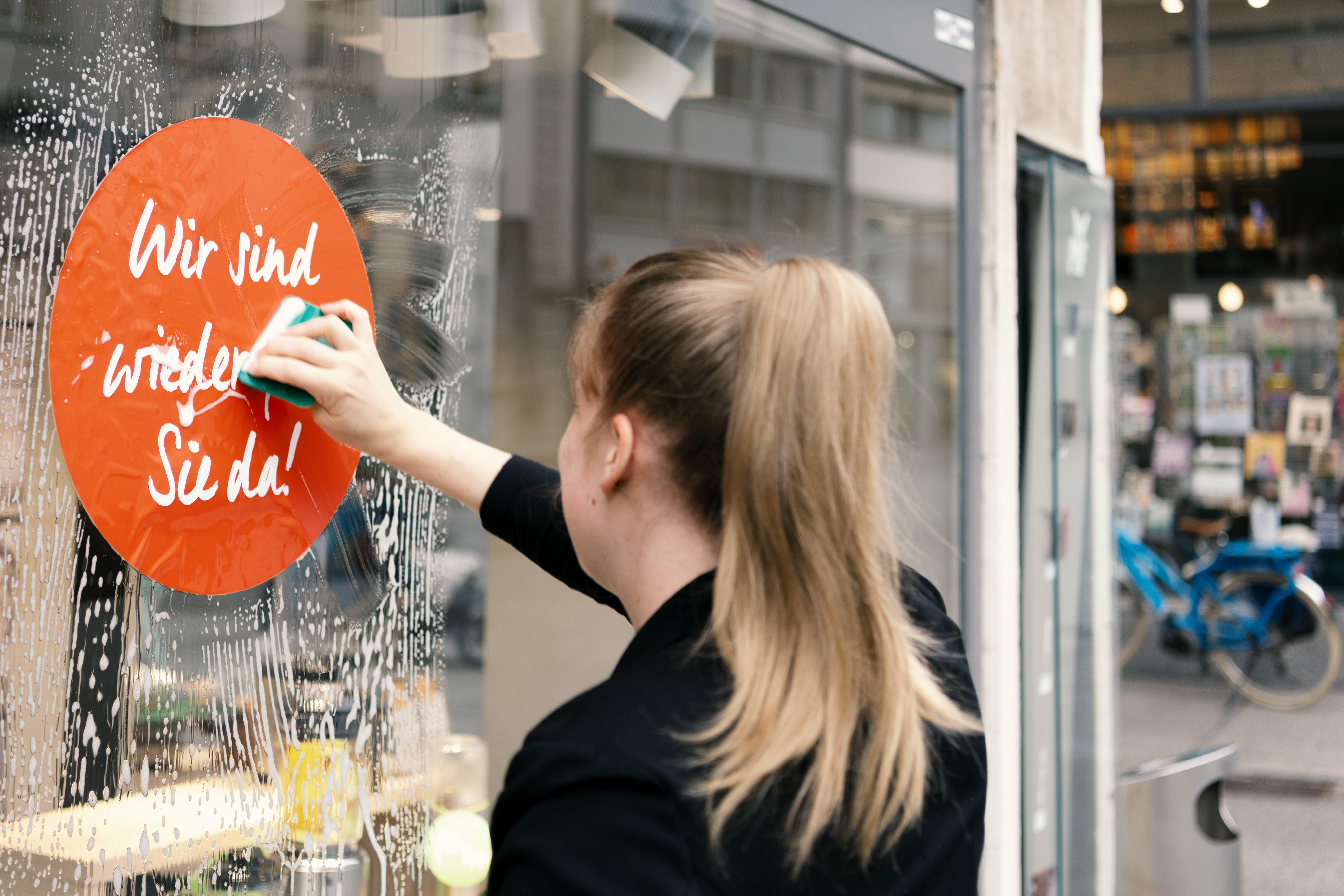 «Wir sind wieder für Sie da!»: Restaurants, Läden, Museen sowie Fitnesscenter dürfen ab heute, 11. Mai, wieder öffnen.