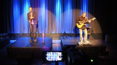 Sprühten vor Spielfreude und Energie: Saxofonist Peter Lenzin (links) und Gitarrist Saki Hatzigeorgiou. (Armando Bianco)