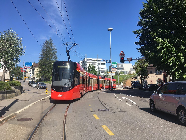 Vor dem Bahnhof Teufen in Richtung St.Gallen regelt jetzt auch eine neue Lichtsignalanlage die Durchfahrt der Züge. Das soll die Verkehrssicherheit erhöhen.