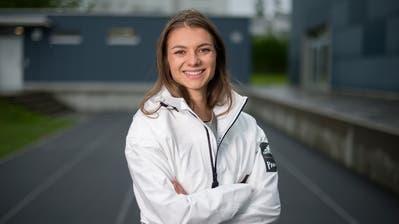 Géraldine Frey trainiert mitunter auf der Bahn beim Schulhaus Schönenbüel in Unterägeri. (Bild: Maria Schmid (11.Mai 2020))