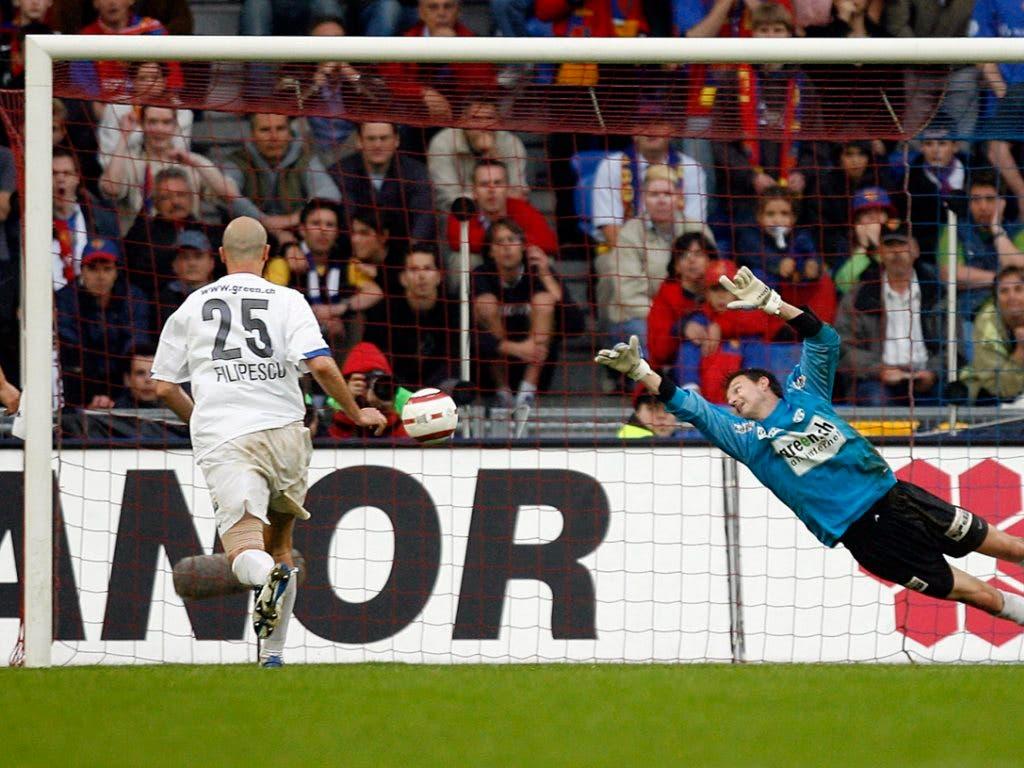 In der letzten Sekunde trifft Filipescu in Basel und stösst den FCB vom Sockel