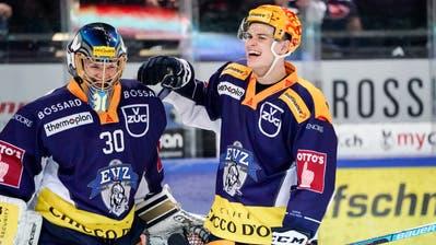 Ob Hockeystars wie die Zuger Leonardo Genoni (Torhüter) und Gregory Hofmann (Topskorer) auf Lohn verzichten werden? (Bild: Freshfocus (Zug, 15. Februar 2020))