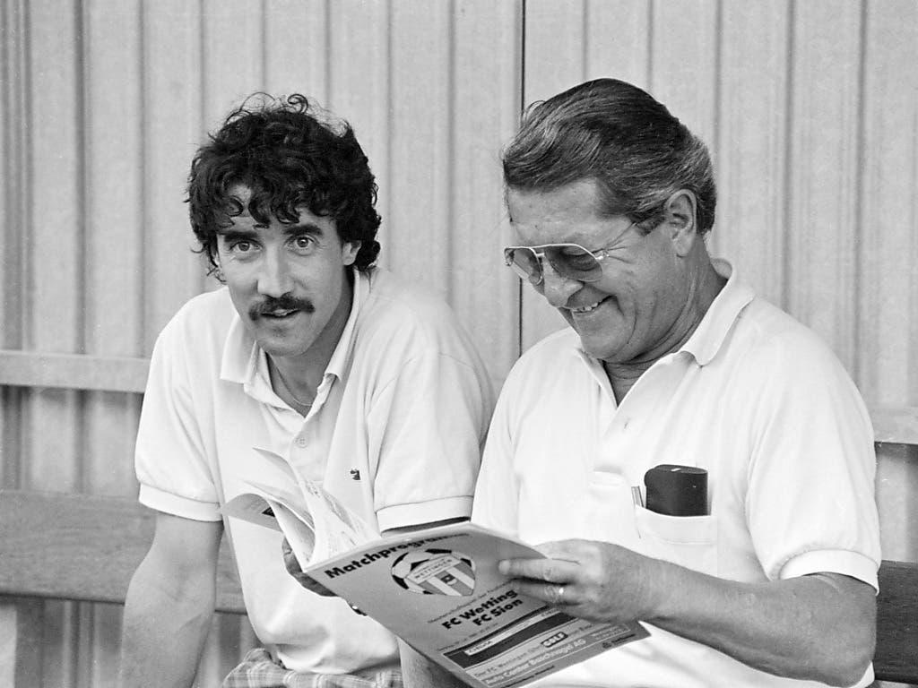 1989 war Yves Débonnaire (links) der 32-jährige Jung-Trainer des FC Sion. Neben ihm der damalige Sittener Präsident André Luisier