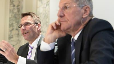 Stabsübergabe an der VR-Spitze: Der ehemalige Valiant-CEO Markus Gygax (links) übernimmt das Präsidium von Jürg Bucher. (Bild: PD (2019))