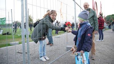 Auch ohne Zaun bleibt der Grenzübertritt ohne triftige Gründe bis Mitte Juni weiterhin verboten (Bild: Raphael Rohner)