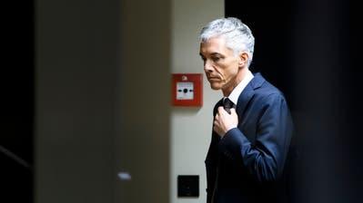 Im Fokus: Bundesanwalt Michael Lauber im Sucher einer TV-Kamera. (Keystone / Peter Klaunzer)