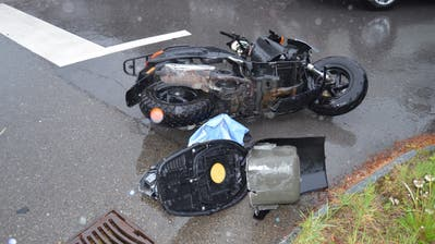 Lieferwagen kollidiert in Bühler mit Roller: Nach der Alkoholprobe ist der Lieferwagenlenker seinen Führerschein los