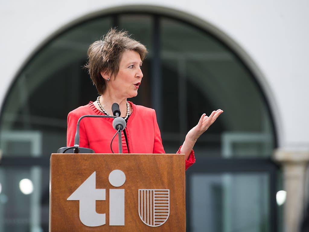 «Die Massnahmen haben Wirkung gezeigt»: Bundespräsidentin Simonetta Sommaruga beschwor bei ihrem Besuch in Bellinzona die Kraft des positiven Denkens.