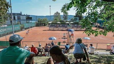 Im Tennis-Interclub hält sich der Zuschaueraufmarsch selbst in der Nationalliga A in Grenzen. (Bild: Daniela Frutiger/freshfocus (Zürich Tenniscenter Seeblick)
