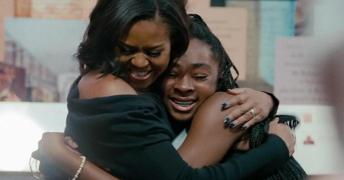 10. Becoming (2020) Was soll man von einer Doku halten, die ständig betont, wie grossartig ihre Protagonistin ist und noch dazu von der eigenen Firma für Netflix produziert wurde? Michelle Obamas hehre Ziele in Ehren, aber dieses «Porträt» ist nicht inspirierend, sondern PR. Alternativen: Spielfilm «Barry» über den Studenten Obama oder «American Factory».