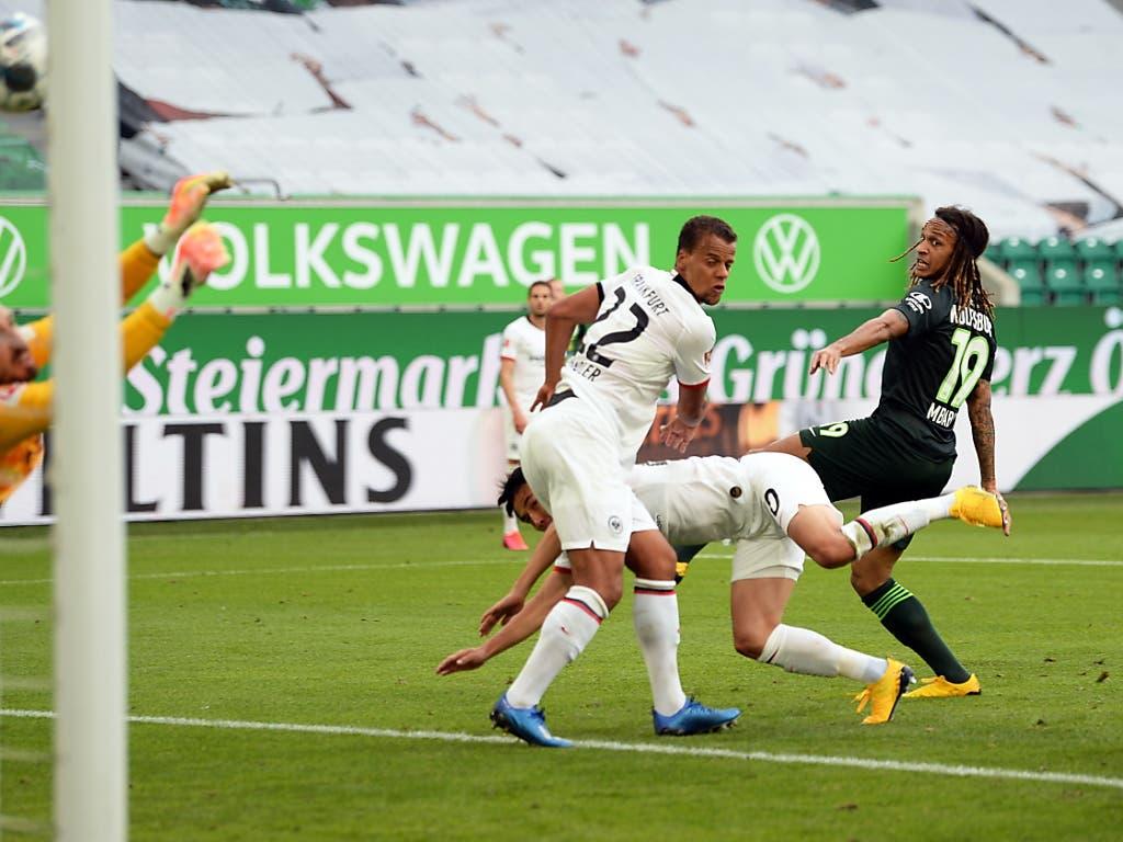 Kevin Mbabu trifft für Wolfsburg per Kopf - der Sieg gegen aber an Frankfurt