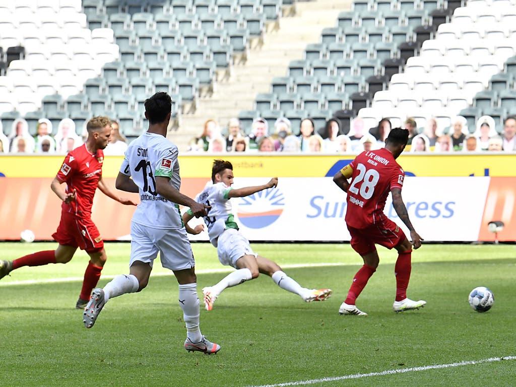 In Mönchengladbach erzielt Florian Neuhaus das frühe 1:0