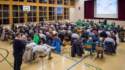 Eine Gemeindeversammlung in der Mehrzweckhalle in Gachnang ist wegen der Coronakrise nicht möglich. ((Bild: Reto Martin, November 2019))