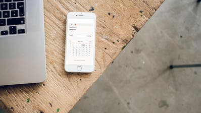 Via Smartphone sollen Gäste ihre Personendaten an Restaurants weitergeben können. (zvg)