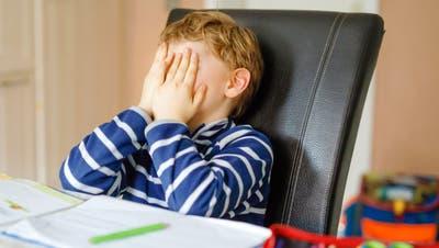 Weshalb zu Hause für die Schule arbeiten? Nicht alle Kinder sehen den Sinn von Homeschooling ein. (Bild: Getty)