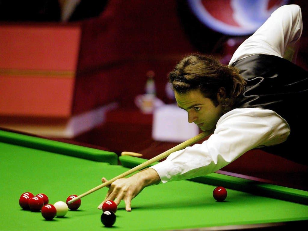 Ronnie O'Sullivan ist bekannt für schnelle Stösse (hier bei einem Turnier 2004)