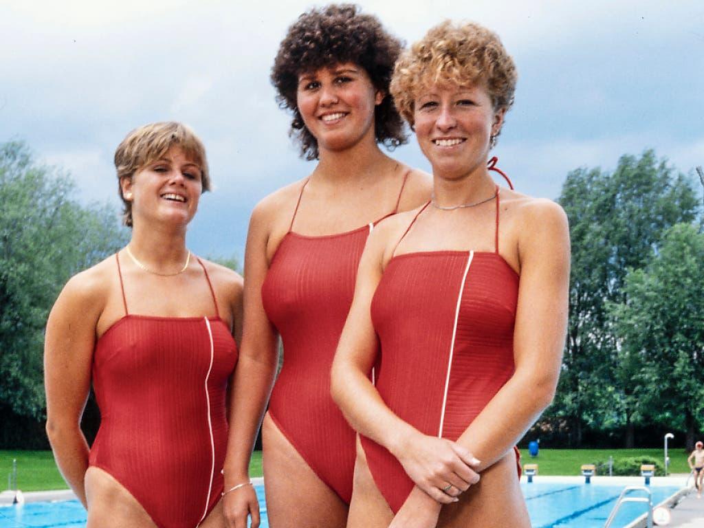 Edith Boss (Mitte) und Karin Singer (rechts) nahmen schon 1984 in Los Angeles an den Olympischen Spielen teil - links die damalige Ersatzschwimmerin Caroline Sturzenegger